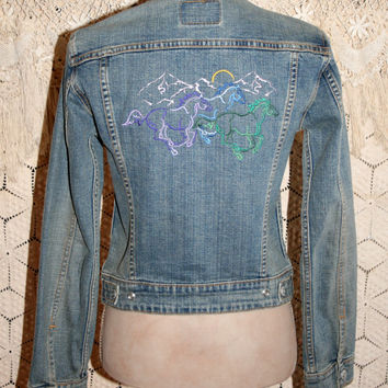 Vintage Levi Jacket Women Denim Jacket Embroidered Horses Cropped Jacket Vintage Denim Vintage Jacket Wild Horses Small Womens Clothing