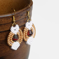 Romantic macrame earrings with glass beads in red / white / gold, boho fashion jewelry for her, everyday jewelry, dangle earrings
