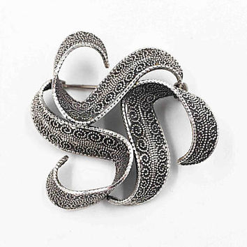 Vintage Beau Sterling Silver Swirl Brooch, Modernist, Chased, Circle, Spiral, Flowing Ribbon, 3D, Textured, Rare & Unique! #c227