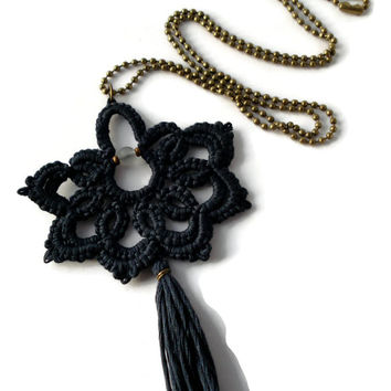 Blue-black bohemian statement pendant with tassel//tatted pendant//black pentant//boho necklace//contemporary jewelry//statement pendant