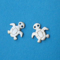 Sea Turtle Stud Earrings sterling silver Post Girl Woman Teen cute   gift mom Christmas Halloween