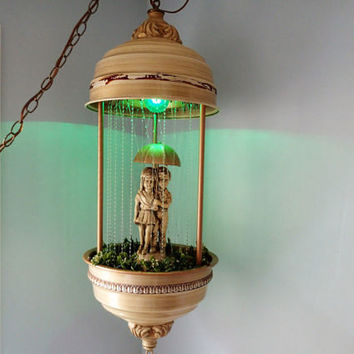Vintage Kitsch Oil Rain Lamp, Boy and Girl with Umbella working condition