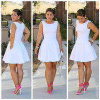 White Sleeveless Flounce Dress