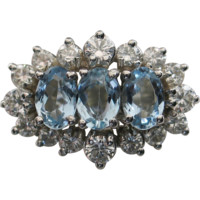 GLISTENING 18kt White Gold Aquamarine & Diamond Cluster Ring