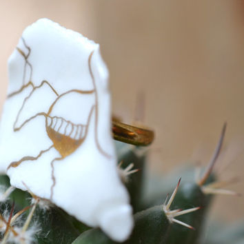 Arauris, porcelain ring, glazed and painted with gold, one of a kind (OOAK), Porcelain jewelry