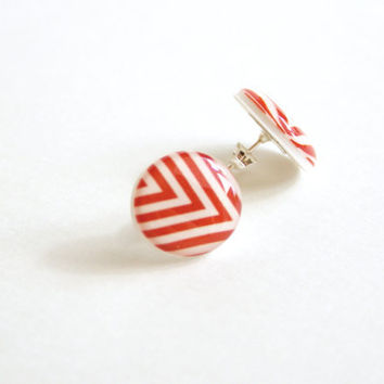 Chevron Patterned Post Earrings in Red