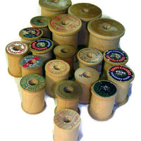 19 Vintage Wooden Thread Spools, Mid 20th Century Sewing Items, Various Sizes, Empty Thread Spools, Spool Destash Lot, Free US Shipping