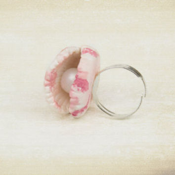 Shell Ring, Shellfish with a Pearl Polymer Clay ,Handmade Adjustable Ring