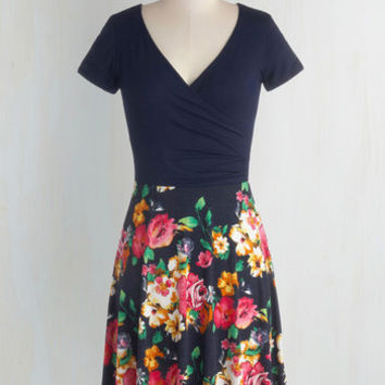 Mid-length Short Sleeves A-line Botanical Breakfast Dress in Navy Blossoms