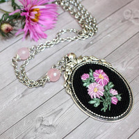 Embroidered Pendant Puprle Chrysanthemums bouquet hand embroidered jewelry beaded necklace rose quartz bohemian black elegant green evening
