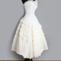 VINTAGE WEDDING DRESSES & BRIDAL WEAR: 1920's to 1970's
