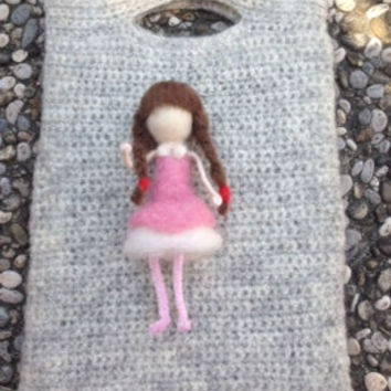 crochet iPad case with felted girl, 100% natural wool