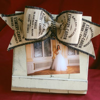 Ivory Distressed Barnwood Picture Frame // Burlap Bow // Photo Frame // 4x6 // 5x7