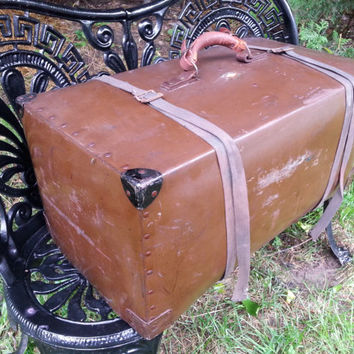 Genuine Spaulding Hard Vulcanized Trunk Fibre Traveling Trunk Triangle Traveling Bag Works Cincinnati Ohio
