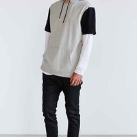 The Narrows Short-Sleeve Side-Zip Hooded