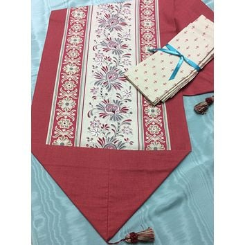 French General Mauve Reversible Table Runner and Napkin Set