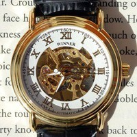 Simple Golden Mechanical Wind-Up Wrist Watch | Wicked Clothes