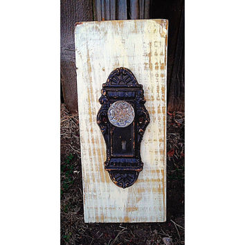 Vintage inspired door knob hanger