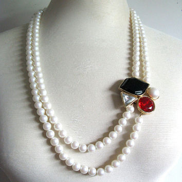 Richelieu 1980s Faux Pearl Necklace Vintage Gold Tone Rhinestone Necklace