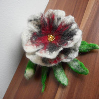 Wool Felt flower,brooch flower,multicolor felt flower brooch,gold pearl,jewelry,felt brooch, accessories,hair flower,felt flower, pins poppy