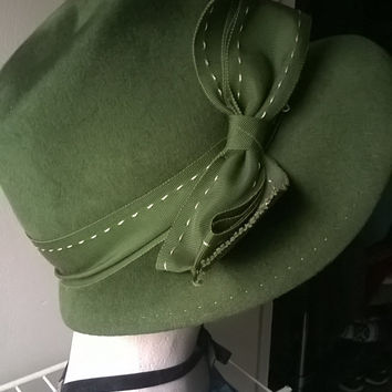 Large Vintage Green Felt Wool Hat with Ribbon, Union Made, New York