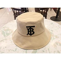 Burberry 2019 new simple wild fisherman hat fashion anti-smashing basin cap Khaki