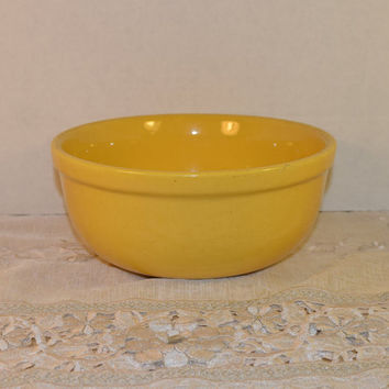 Oxfordware Stoneware Bowl Vintage Made in USA Yellow Pottery Oxfordware Yellow Glazed Stoneware Bowl Yellow Mixing Bowl 1950s Pottery