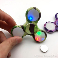 LED Light Camouflage Fidget Spinners Detachable Replaceable Battery Luminous Camo Hand Tri- Spinner Fingertips EDC Decompression Toys