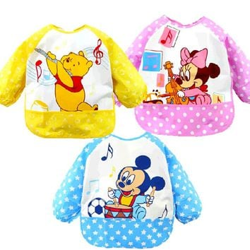 Baby Bibs Cartoon Animal Mickey Minnie Printed Waterproof Apron Children Bibs Cute Long Sleeve Baby Self Feeding Burp Cloth C024
