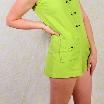 Vintage 1970s Lime Green romper / playsuit zip up the front and little pocket / buttons / wide 70s collar