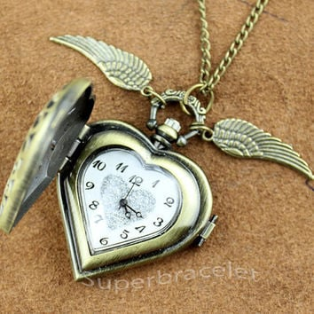 Snitch Necklace - Hollow Out Heart Necklace Pocket watch Loving key - a gift to girlfriend and BFF