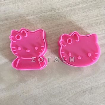 2 pcs/set Cartoon Cute Cat Hello Kitty Shaped Plastic Cookie Cutters Confeitaria Pastry Sandwich Cake Mold Kitchen Tools SLP023