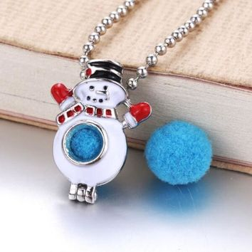 Snowman Christmas Aromatherapy Diffuser Necklace