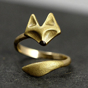 Hand gilded wrap fox ring. Adjustable brass ring with hand gilded and enameled fox face and tail.