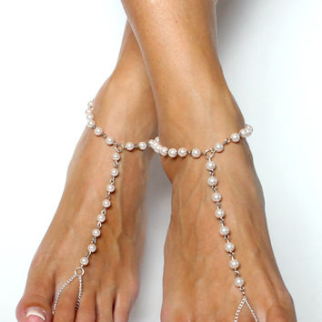 Barefoot Sandals in Soft Blush Rose Pearls and Silver Chain Anklet Foot Jewelry for Brides and Bridesmaids