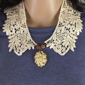 Outlander Claire Lace Collar with Copper & Lily Pendant - Statement Necklace Fraser Diana Gabaldon FREE SHIPPING FT22