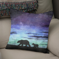 «Aurora borealis and polar bears (black version)», Numbered Edition Coussin by Savousepate - From 25€ - Curioos