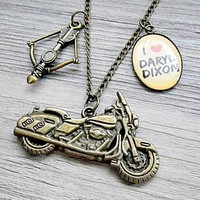 Walking Dead: I heart Daryl Dixon with crossbow and motorcycle necklace (antique gold / brass)