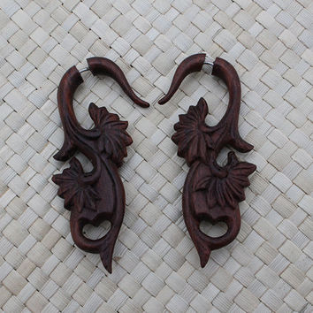 Foliage Balinese Style Earrings - Fake Gauge Wooden Earring - Fake Piercing Earring