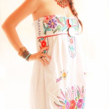 Fiesta Mexican embroidered dress corset strapless white cotton floral embroidery handmade wedding dress