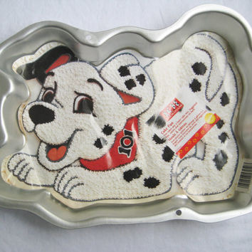 101 Dalmatians Disney Wilton Cake Pan 1996 Gelatin Mold Dog Puppy Shape Clean