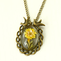 sunflower necklace, yellow flower necklace, sun flower, Real dried Flower Necklace, Natural, Nature, vintage style,