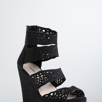 Scallop Strap Wedges (Wide Width)
