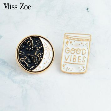 Trendy Miss Zoe GOOD VIBES constellation Space Universe Warfare Brooch Denim Jacket Pin Buckle Shirt Badge Gift for Kids Friend AT_94_13