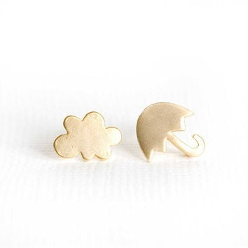 Simple Gold Mismatched Cloud and Umbrella Earrings