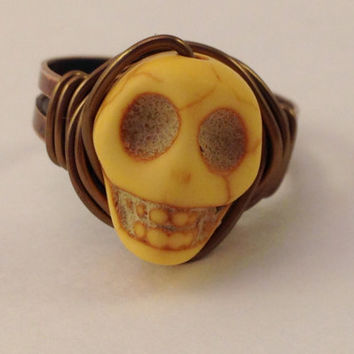 Yellow Skull Ring - Yellow and Copper Ring - Adjustable Ring - Halloween Ring - Horror Jewelry - Day of the Dead - Howlite Skull Ring