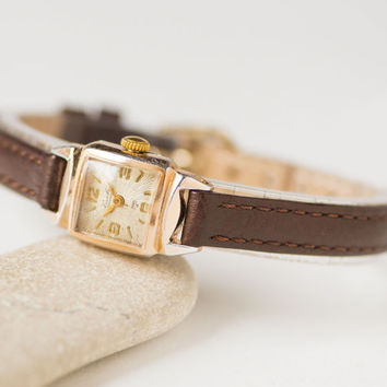 Art deco style lady's watch, square wristwatch Glory gift her, rays ornament gold shade lady's watch, rare watch, premium leather strap new