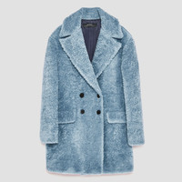 TEXTURED COAT WITH LAPELS DETAILS