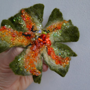 Wool Felt Flower Pin Brooch Moss Green Orange,Floral Corsage Pin,Felt Brooch,Felted Gift Idea,Handmade Art Pin,Embroidered Flower, felt art