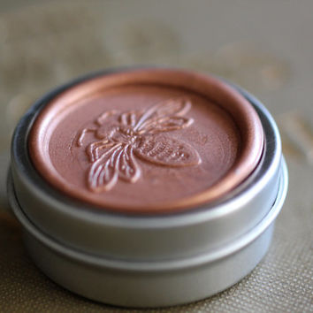 Rosa Natural Perfume Round Bee Tin - A California woodland rose fragrance named after the wild rose of the west